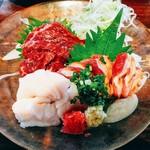 魚と旬菜と日本酒 炙りのどまん中 - 馬刺しと鶏刺しの定食