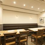 日本酒バー オール・ザット・ジャズ - テーブル席