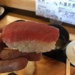 寿司・鰻・天婦羅 松舞 - 料理写真:かなり大きな握りとなります