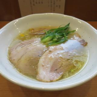 中華そば うえまち - 料理写真:中華そば 塩