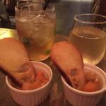 琉球料理といまいゆ しんか/肉バル&ダイニングヤンバルミート - ジンジャーエール&白ワインとお通し