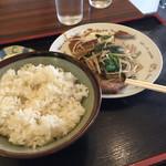 まるけん食堂 - レバニラ炒め! 普通のお味だけど他では430円では食べれません!