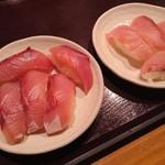 薫風 梅み月 - ブリの握り寿司