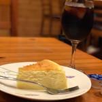 お天気屋喫茶店 - トップフォト チーズケーキにアイスコーヒー