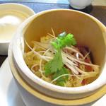 チャイニーズガーデンレストラン 深記 - 叉焼とネギ生姜ローメン