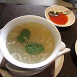 Chainizugadenresutoranshinki - 蟹身入りふかひれスープ