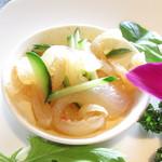 チャイニーズガーデンレストラン 深記 - 胡瓜とクラゲの酢の和え物