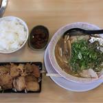 新立麺館 - 焼肉 定食  ¥1000