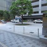 69733592 - ちょっとみ警察署みたいな駐車場