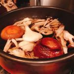 大どころ - 出汁を取る意味もある椎茸&舞茸ですがこの椎茸も大分のどんこ?かな?