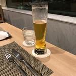 フライヤーズテーブル - 久々のビール。しみました。