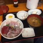 博多魚がし - 海鮮丼+貝汁