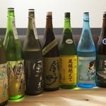 日本酒バー オール・ザット・ジャズ - 無名だが実力のある蔵、隠れた銘酒を中心に。人気の風の森、人気上昇中の城川郷など楽しめます。