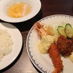 グロリアみその - 牡蠣フライ&海老フライ 980円