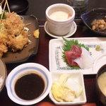 喜久屋 - お好みランチ(ミックスフライ+マグロ・イカ刺身)です。