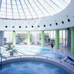 レストラン アンソレイユ - ホテル内、7種類のプール