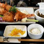 食彩和楽つづみ - 大きなエビフライ定食