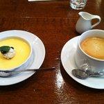 6975184 - デザートのプリンとコーヒー