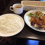 69751029 - チキンカツ定食 ¥390(税別)