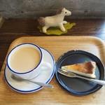 映水庵 - カフェオレとチーズケーキ