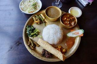 ナングロガル - THAKALI SPECIAL KHANA ネパールローカル料理セット 1300円 ライスおかわり自由