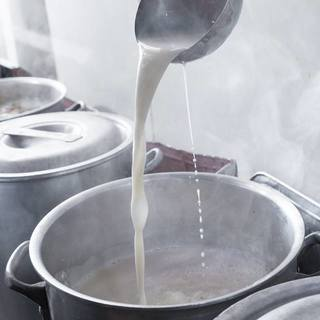 神明の豚骨スープの「秘密」はコチラ♪(スープの秘密その1)