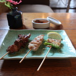 炭焼き ミンナミ食堂 - 白レバー(塩)せせり(塩)アスパラ巻(塩)