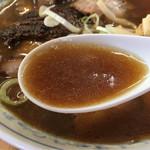 ラーメン専門店 まるたや - 『まるたかや』は澄んだとんこつスープに醤油と生姜って感じ。『まるなかや』も澄んだとんこつスープだが、よりスッキリしていて美味しい。さてすっかり記憶から消えた『まるたや』は?第一印象味がしない。