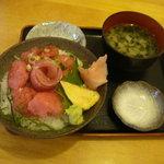 わらべ菜魚洞 - 本当のすき身丼