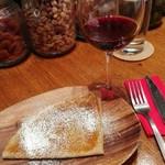 CAVO - デザートに、そば粉のガレット塩キャラメル、及び軽めのピノ・ノワール