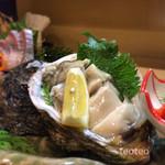 海鮮ダイニング すえの - 岩牡蠣たまりませーん(≧∇≦)