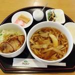 森のレストラン ライアン - 料理写真:つがる産ゴボウ麺と長谷川自然牧場の豚生姜焼きミニ丼セット2,000円