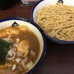 つけめん 玉 - 料理写真:特製つけ麺 中盛