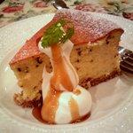 グロヴナーカフェ - ゴマのチーズケーキ
