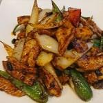 華陽麺坊 - 豚トロの豆鼓炒め