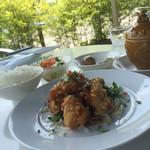 三笠 - 週替りランチは油淋鶏