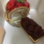 くるみの木みどり - 料理写真:苺のロール、サクランボのタルト