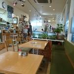 CAFE 101 - 店内。