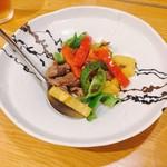 ジーテン - 料理写真:牛肉とパプリカの炒め物 @1,800円