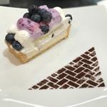 カフェ・コムサ - ブルーベリーとクリームチーズのケーキ