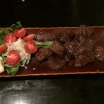焼鳥赤ひげ - 料理写真:サイコロステーキ