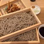 中村麺兵衛 - 魚かき揚げと十割もり蕎麦(二枚)