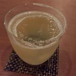 Bar 貴 - ソルティドック       グラス半分だけ、細かな塩が。お洒落です。