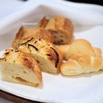 stesso e Magari CHIC - レカンのバゲット  自家製パン2種