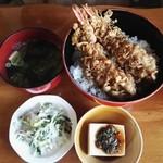 磯新食堂 - 料理写真:天丼800円