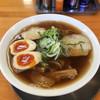Menkyoushouin - 料理写真:中華そば(あっさり)中+煮玉子