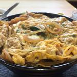 勝山協食 - カツ丼500円。写真では伝わりにくいですが、普通のカツ丼の二杯分ぐらいあります。