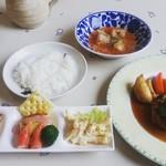 ひぶな - 料理写真:セット(税込900円) 和風ハンバーグ、冷たいスープ、ミニオードブル、ライス
