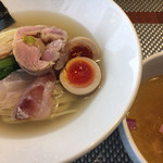 69795962 - 天然真鯛と地鶏の塩つけ麺@1,200円(税込)