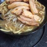 自家製太麺 ドカ盛 マッチョ - ラーメン並700円